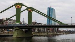 Γιατί η γέφυρα της Φρανκφούρτης έχει επιγραφή γραμμένη στα αρχαία