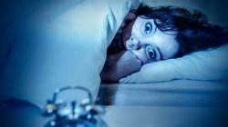 Τι πρέπει να κάνετε όταν ξυπνάτε ξαφνικά μέσα στη νύχτα (και τι δεν πρέπει να κάνετε