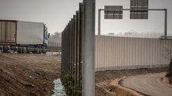 «Τα τείχη του μίσους» αυξήθηκαν σε όλο τον κόσμο για να εμποδίζουν τη διέλευση προσφύγων και
