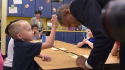 O επί 20 χρόνια κουρέας του Ομπάμα μοιράζεται την αγαπημένη του ιστορία από τον πιο διάσημο πελάτη