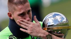 Συγκλονιστικές στιγμές στην επιστροφή της Σαπεκοένσε στα γήπεδα μετά την αεροπορική