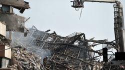 Συνεχίζονται οι έρευνες για τον εντοπισμό επιζώντων στα ερείπια του Plasco στην