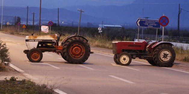 Συνεχίζονται οι κινητοποιήσεις των αγροτών. Ένας αγρότης τραυματίστηκε στο τελωνείο των