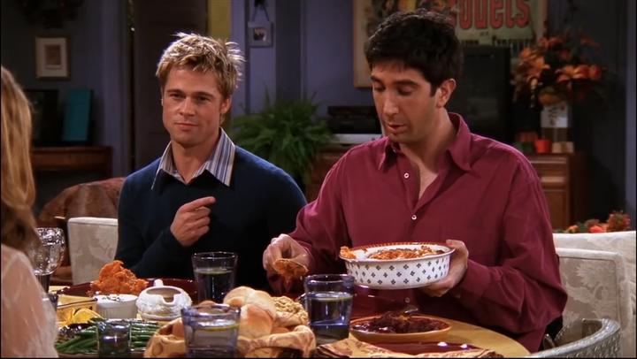 La famosa escena de Brad Pitt en 'Friends'.