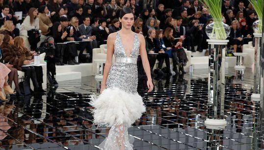 Είδαμε τη νέα συλλογή της Chanel και τώρα μπορούμε να ονειρευτούμε