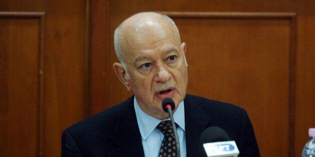Αναδίπλωση Παπαδημητρίου: Δεν τίθεται θέμα μείωσης του αφορολόγητου, ήταν λάθος