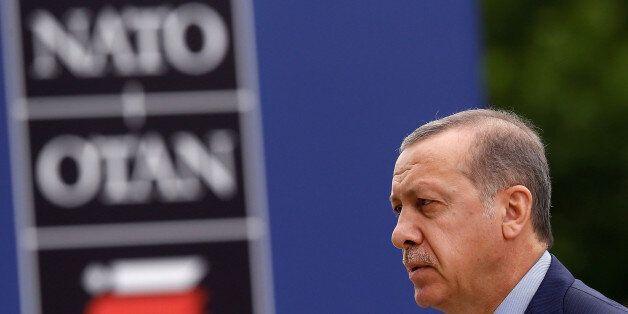 To NATO, η Gladio B και η μη έκδοση των οκτώ Τούρκων