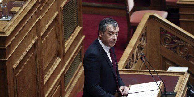 Θεοδωράκης: Κυβερνητική επέλαση στα