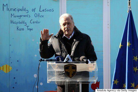 Επίσκεψη Αβραμόπουλου - Μουζάλα στη Λέσβο: «Δεν μπορούμε να εγκαταλείψουμε αβοήθητους τους πρόσφυγες...