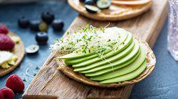 Ίδια γεύση, λιγότερες ενοχές: Οι υγιεινοί αντικαταστάτες τριών ανθυγιεινών