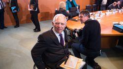 Handelsblatt: Κίνηση τακτικής οι δηλώσεις Σόιμπλε περί