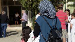 Εισβολή Χρυσαυγιτών σε σχολείο στο Πέραμα που θα φοιτήσουν παιδιά