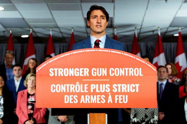 Trudeau promet de donner le pouvoir aux villes d'interdire les armes de