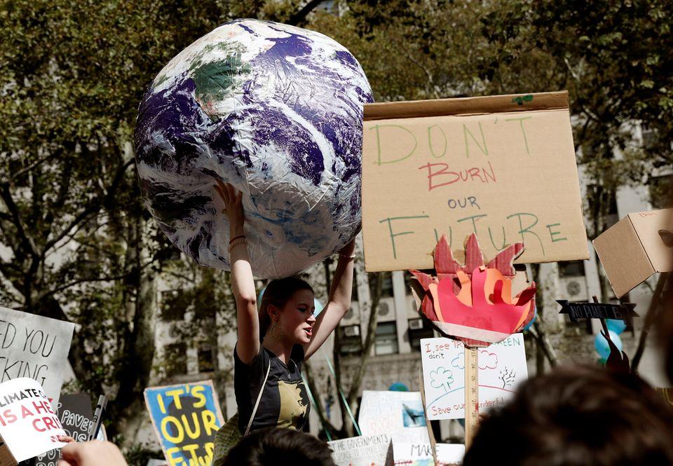 Οι πορείες για την κλιματική αλλαγή σε 17 πόλεις του κόσμου μέσα από