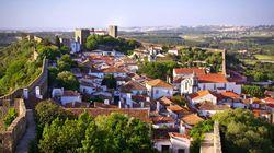 Óbidos: Η μικρή πόλη της Πορτογαλίας που έχει μεταμορφωθεί σε ατελείωτο