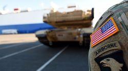 «Μήνυμα» στη Ρωσία: Αμερικανικά στρατεύματα με άρματα μάχης και βαρύ οπλισμό στη