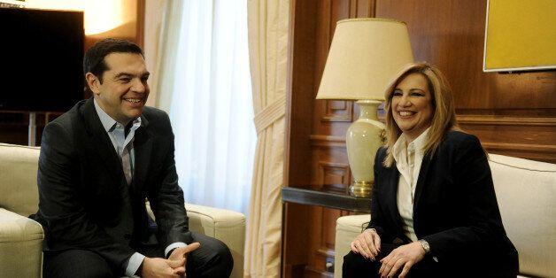 Κυπριακό: Αντιρρήσεις Γεννηματά για τις «αναχρονιστικές εγγυήσεις τρίτων χωρών». Τάχθηκε υπέρ της αποχώρησης...