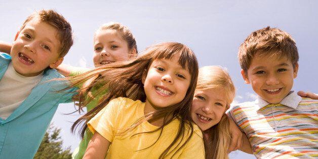 Σε αυτή τη χώρα τα παιδιά είναι συνέχεια ευτυχισμένα. Ποιο είναι το μυστικό