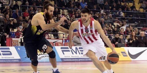 Αντέχει στα δύσκολα ο Ολυμπιακός, 71-62 τη