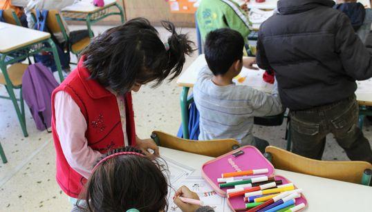 Ρεπορτάζ στα σχολεία που καλοδέχτηκαν τα παιδιά των προσφύγων- Εκπαιδευτικοί και γονείς μιλούν στη HuffPost