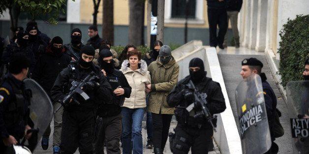 Σύλληψη Ρούπα: Τα μετρητά στο στρώμα, τα όπλα στο... ντουλάπι και ο φόβος για νέα «άγνωστα»