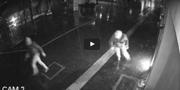 Βίντεο: Άγνωστοι τοποθετούν εκρηκτικά σε καφετέρια στο