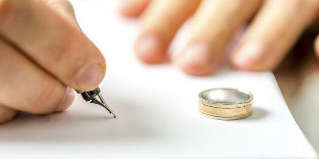 Nέα εποχή για τα συναινετικά διαζύγια: Σε μισή ώρα πλέον ο χρόνος έκδοσής