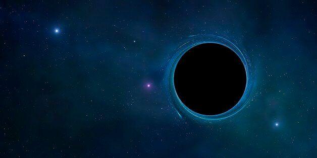Ανακαλύφθηκαν δύο «καμουφλαρισμένες» τεράστιες μαύρες τρύπες στο κέντρο κοντινών