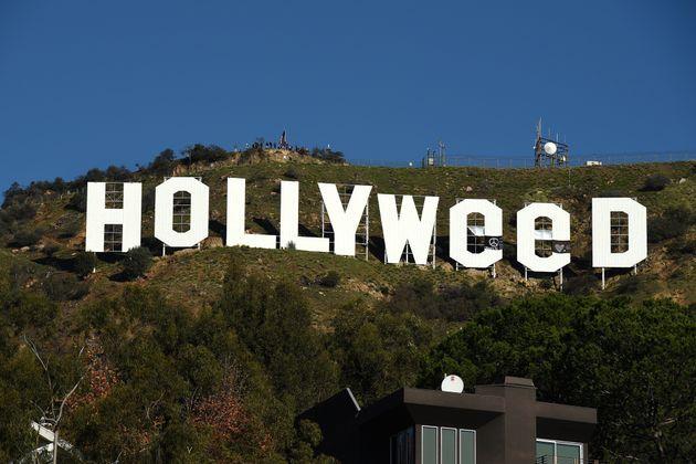 Καλώς ήρθατε στο Hollyweed: Η διάσημη πινακίδα έπεσε θύμα βανδαλισμού προς τιμήν της