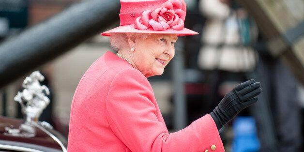 Η βασίλισσα Ελισάβετ δεν θα παρευρεθεί στην πρωτοχρονιάτικη λειτουργία επειδή αναρρώνει από βαρύ