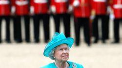 Φρουρός του Μπάκιγχαμ παραλίγο να πυροβολήσει τη βασίλισσα