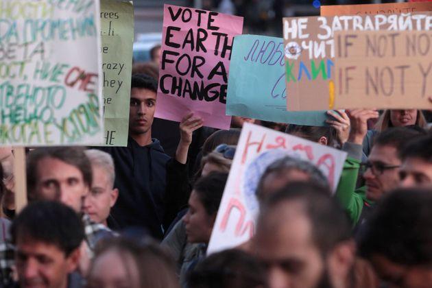 Greve Global pelo Clima: 9 cartazes que refletem a luta contra os efeitos das mudanças