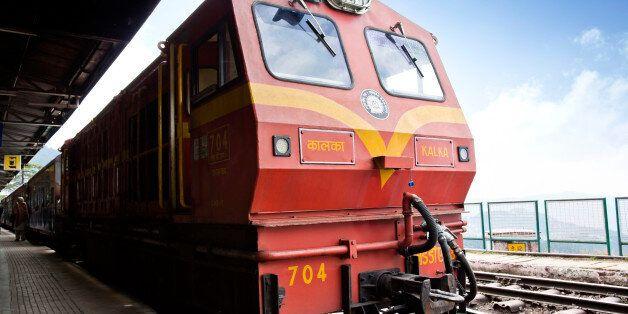 Σιδηροδρομικό δυστύχημα με δύο νεκρούς στην Ινδία. Δεκάδες οι