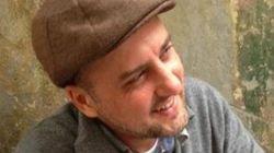 «Με συνάλαβαν για ένα tweet». Υπό κράτηση ο Αχμετ Σικ, ένας από τους πιο μάχιμους δημοσιογράφους στην