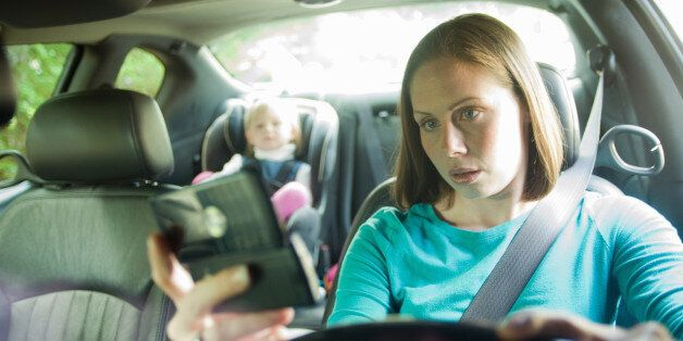 distracted driver texting while in