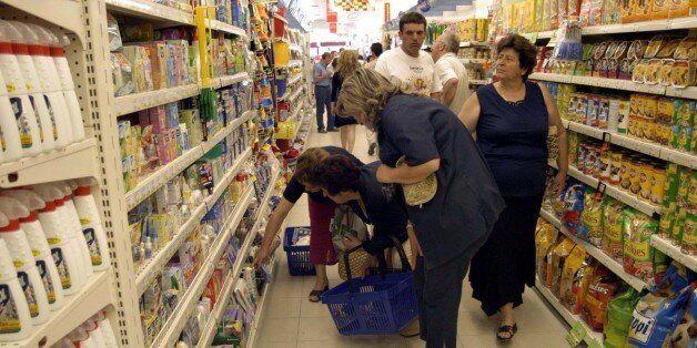 Ποια προϊόντα απομακρύνονται από τα ράφια σούπερ μάρκετ ύστερα από απειλή για