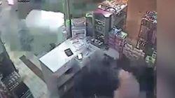 Βίντεο: Σαν αστραπή ξεφεύγει από τεράστιο φορτηγό εκτός