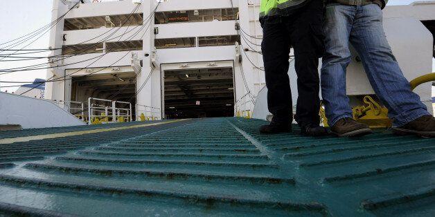 Κατέπλευσε το απόγευμα για Χάλκη και Ρόδο το επιβατηγό οχηματαγωγό πλοίο ΒΙΤΣΕΝΤΖΟΣ