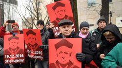 Η Πολωνία βρίσκεται στο δρόμο προς την απολυταρχία, προειδοποιεί ο πρόεδρος του Συνταγματικού