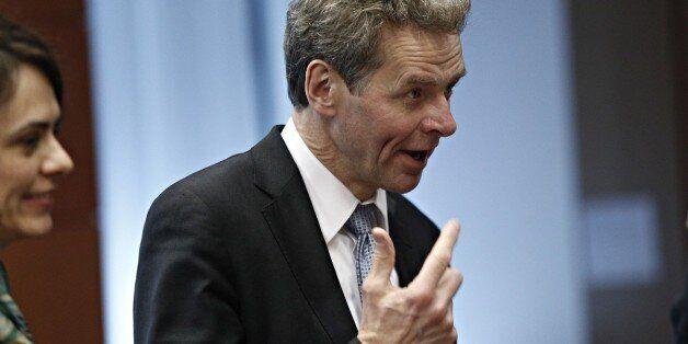 Ο Τόμσεν ζητά εκ νέου μεταρρυθμίσεις σε αφορολόγητο και συντάξεις με σημειώμα - απάντηση στον