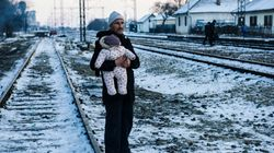 Guardian: Xιλιάδες πρόσφυγες στην Ελλάδα εγκλωβισμένοι στο κρύο εξαιτίας της κακής οικονομικής διαχείρισης από την Ύπατη Αρμο...