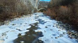 Βίντεο: Οι παγωμένοι παραπόταμοι του Βίκου στο