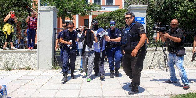 Ο «καυτός» φάκελος των Τούρκων για τους 8 στρατιωτικούς – Τα 3 κενά στην έρευνα που τους