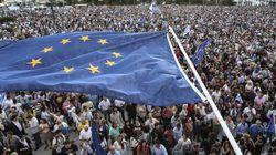 Ο ελληνικός ευρωσκεπτικισμός. Διχασμένοι οι Έλληνες για το κατά πόσο είναι θετική ή όχι η συμμετοχή στην