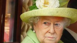 «Πολύ άρρωστη» η Βασίλισσα Ελισάβετ για να παραστεί στη χριστουγεννιάτικη
