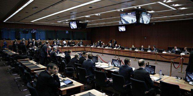 Τα προσχέδια των προϋπολογισμών των 18 κρατών-μελών της Ευρωζώνης ενέκρινε το