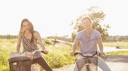 Η αγάπη και η έλλειψη άγχους φέρνουν περισσότερη ευτυχία από μία