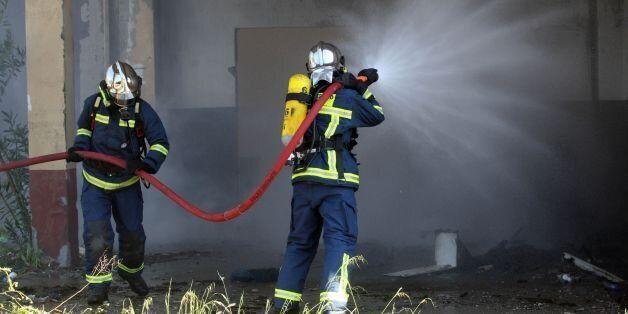 Σε εξέλιξη πυρκαγιά σε κτίριο βιοτεχνίας υφασμάτων, στον Αγιο Ιωάννη Ρέντη