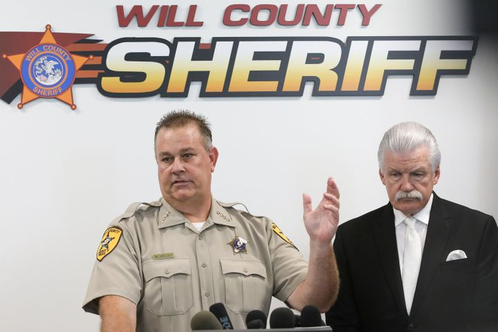 Will County Sheriff Mike Kelley, left, at a news conference Thursday with Will County State's Attorney James Glasgow in Jolie