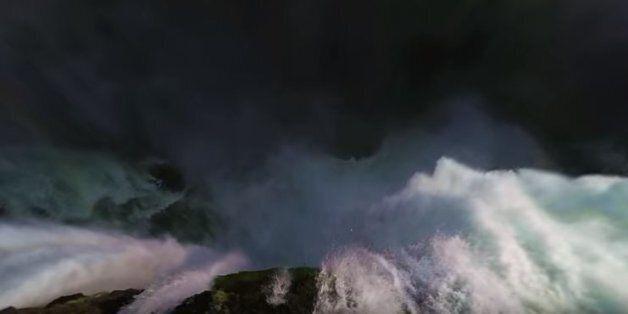Βίντεο: «Βουτιά θανάτου» από την «πισίνα του διαβόλου» σε 360